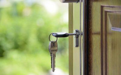 Tipos de cerrojos para asegurar tu puerta